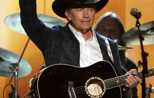 Happy birthday to the King of Country Music, George Strait! #HappyBirthday  #georgestrait  #theking #countrymusic #kingofcountrymusic