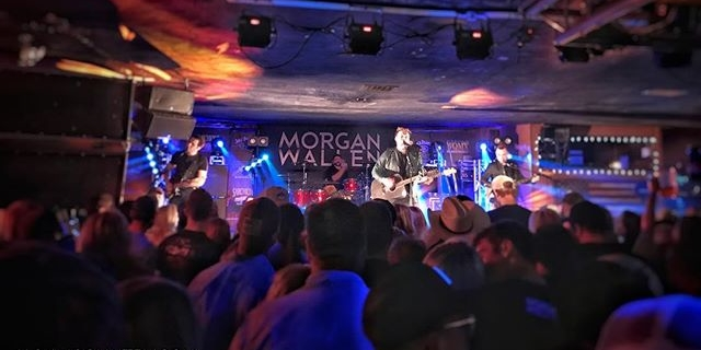 Morgan Wallen @morgancwallen headlining tour stops in Rootstown, OH to a sold out show at @dustyarmadillo  #MorganWallen #updown #dustyarmadillo #kickincountry